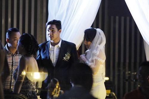 Baggio quỳ gối cầu hôn cô dâu xinh đẹp - 12