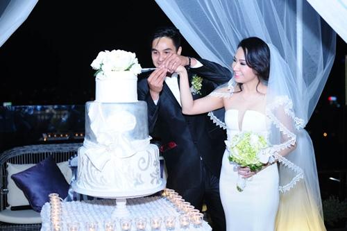 Baggio quỳ gối cầu hôn cô dâu xinh đẹp - 4