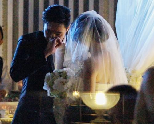 Baggio quỳ gối cầu hôn cô dâu xinh đẹp - 6