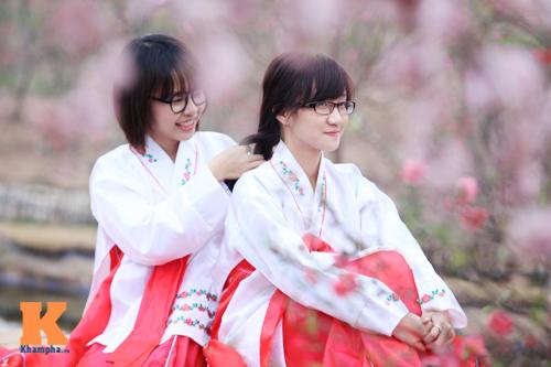 Thiếu nữ diện Hanbok dịu dàng du xuân - 5