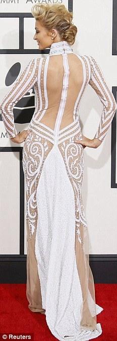 Paris Hilton gây sốc khi mặc xuyên thấu - 5