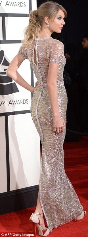 Paris Hilton gây sốc khi mặc xuyên thấu - 10
