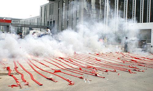 TQ: Pháo tết ế ẩm vì ô nhiễm không khí - 2
