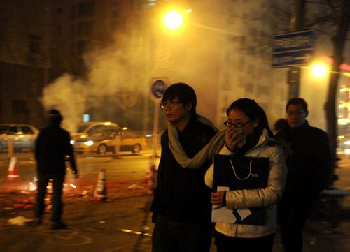 TQ: Pháo tết ế ẩm vì ô nhiễm không khí - 1