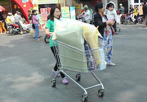 Nghẹt thở đi siêu thị cuối năm - 17