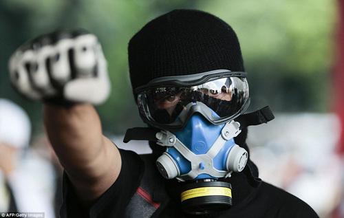 Brazil: Người biểu tình đốt xe, phá ngân hàng - 6