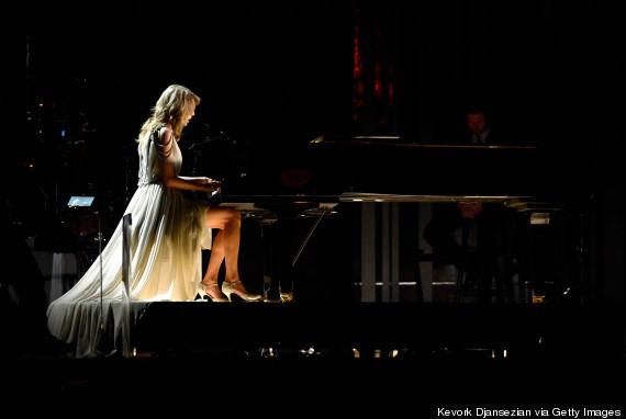 Taylor Swift xõa tóc tới bến tại Grammy - 2