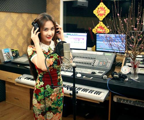 """Đăng Khôi """"trốn vợ"""" hát cùng hot girl - 7"""