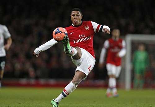 Southampton- Arsenal: Giữ ngôi đầu - 1