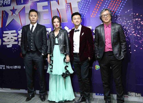 """""""Nàng rắn xanh"""" ngã tại China's Got Talent - 1"""