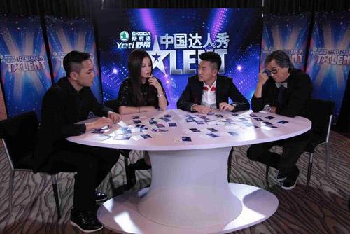 """""""Nàng rắn xanh"""" ngã tại China's Got Talent - 2"""