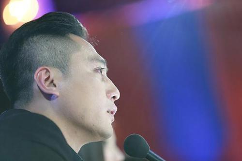 """""""Nàng rắn xanh"""" ngã tại China's Got Talent - 9"""