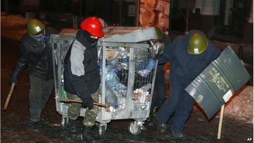 Ukraine: Bộ Tư pháp bị người biểu tình chiếm giữ - 1