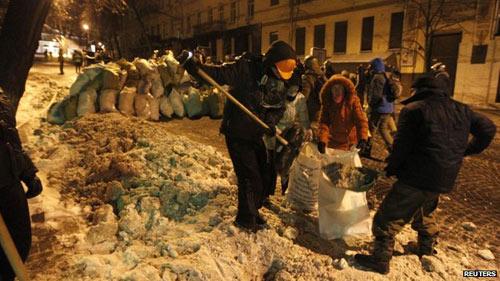 Ukraine: Bộ Tư pháp bị người biểu tình chiếm giữ - 3