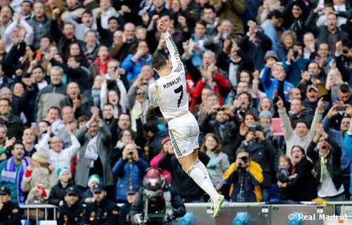 """Ronaldo: """"Người truyền lửa"""" tại Bernabeu - 1"""