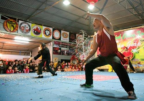 Dân võ thuật thủ đô thi đấu đón Tết - 1