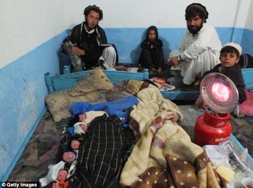 Ca sinh 6 kỳ diệu ở Pakistan - 2