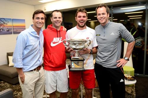 Wawrinka giản dị ăn mừng danh hiệu Australian Open 2014 - 10