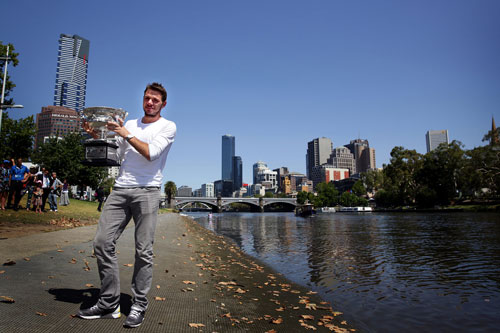 Wawrinka giản dị ăn mừng danh hiệu Australian Open 2014 - 3