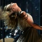 Ca nhạc - MTV - Taylor Swift xõa tóc tới bến tại Grammy