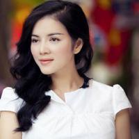 Bí kíp gợi cảm với tóc xoăn của sao Việt