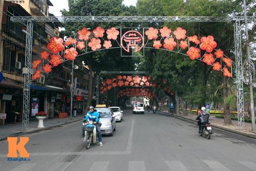 Hà Nội trang hoàng đón Tết Nguyên đán 2014 - 17