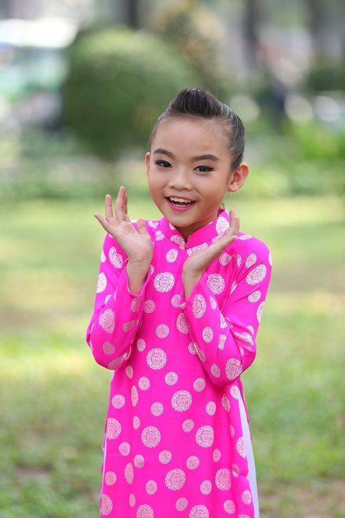 Khánh Thi du xuân cùng con gái nuôi - 3