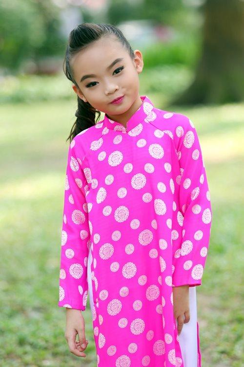 Khánh Thi du xuân cùng con gái nuôi - 4