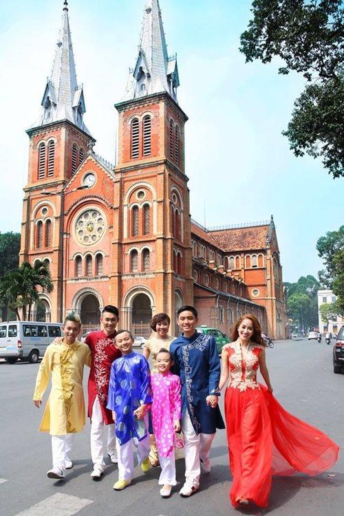 Khánh Thi du xuân cùng con gái nuôi - 7
