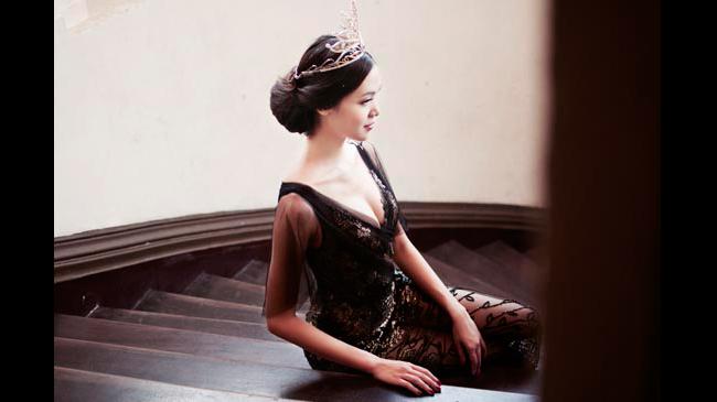 Hoa hậu Thùy Dung với vòng 1 vừa vặn
