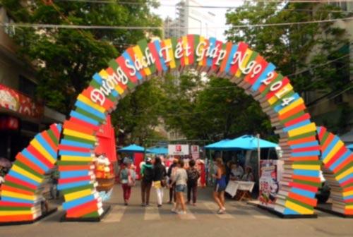 Lễ hội đường sách Tết Giáp Ngọ tại TP.HCM - 1