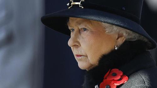 Nữ hoàng Anh bị yêu cầu cắt giảm chi tiêu - 1