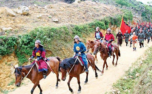 Dở khóc dở cười vì ngựa phi vào phim Việt - 1