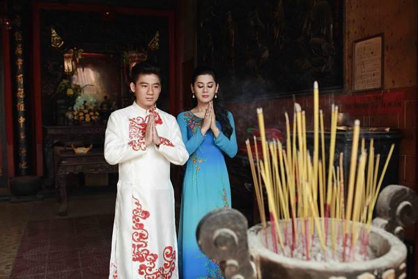 Hoàng Thùy Linh sexy, Hà Tăng rạng rỡ - 15