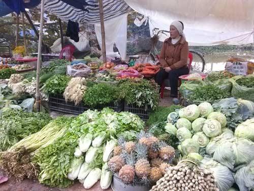 Xe rau của nông dân không mua nổi cân thịt bò ngày Tết - 2
