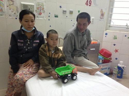 Tết buồn của bệnh nhi - 1