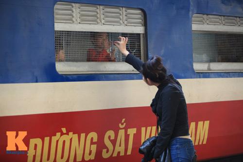 Xúc động chia tay chiều cuối năm ở ga Hà Nội - 9