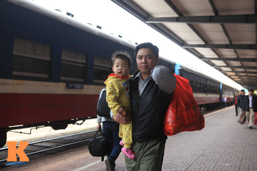 Xúc động chia tay chiều cuối năm ở ga Hà Nội - 3