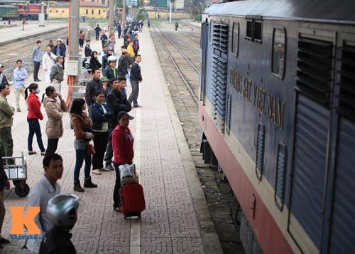 Xúc động chia tay chiều cuối năm ở ga Hà Nội - 18