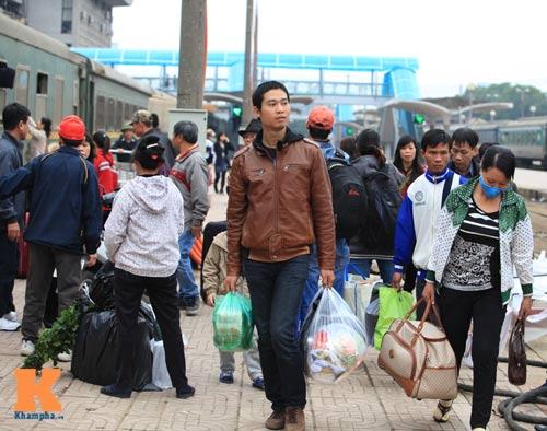 Xúc động chia tay chiều cuối năm ở ga Hà Nội - 19