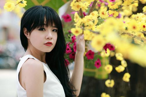 Thái Trinh dịu dàng du Xuân - 2