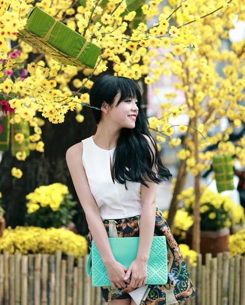 Thái Trinh dịu dàng du Xuân - 3