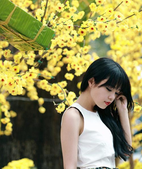 Thái Trinh dịu dàng du Xuân - 1