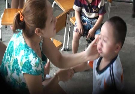 Những vụ bạo hành trẻ em gây chấn động - 1