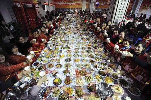 Ảnh: Người dân Đông Á rộn ràng chuẩn bị đón tết - 6