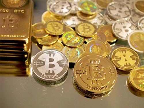 Giám đốc điều hành Bitcoin bị bắt vì rửa tiền - 1