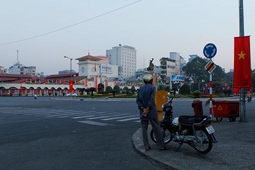 Một Sài Gòn vắng lặng sáng đầu năm - 2
