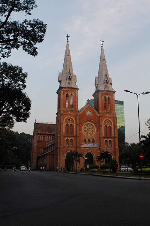 Một Sài Gòn vắng lặng sáng đầu năm - 4