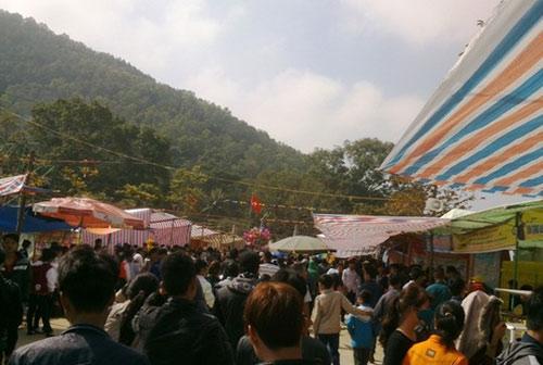 Thanh Hóa: Đỏ đen trá hình tại đền Bà Triệu
