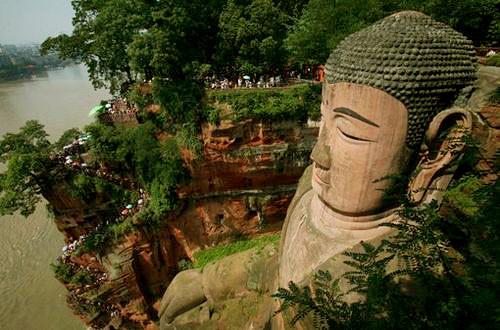 Tượng Phật đá cao nhất thế giới trên vách núi - 5